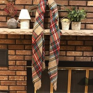 Accessories - Trendy & Large Plaid Scarf!